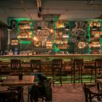 bar design roumain intérieur original