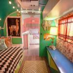 intérieur couleurs vives caravane travaux refaite