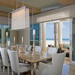 décoration intérieure maison chic salle à manger chandelier