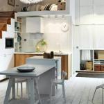 jolie cuisine design sous l'escalier