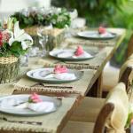 recevoir en plein air dans le jardin table dressée