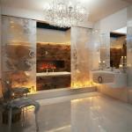 salle de bains de luxe à la cheminée