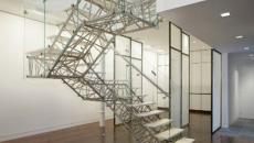 Escalier d'intérieur d'aspect art contemporain