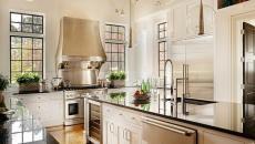 imposant ilot central de cuisine spacieuse