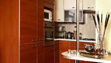 Petite cuisine aménagée toute en bois