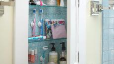 Autre manière de ranger les petits accessoires de la salle de bain