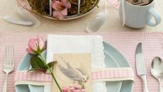 Table De Pâques En Rose Doux