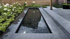 Petite fontaine aux cailloux
