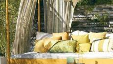 voiles d'ombrage en beige et jaune