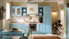Maison à la cuisine design bleu