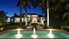 Maison de prestige en Floride vue de nuit