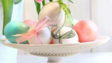décoration de pâques thème tulipes et œufs