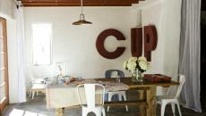 salle à manger aux chaises tolix