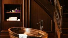 baignoire design en bois