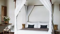 Style minimaliste en blanc et bois brut