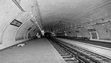 Stations abandonnées dans le temps