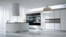 Cuisine design italienne tout en blanc