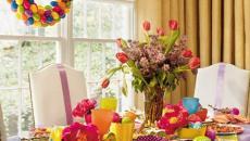 table multicolore décorer pour Pâques