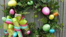 couronne verte et œufs de pâques