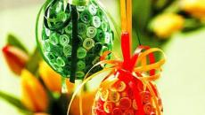 décoration d'œufs multicolores pour Pâques