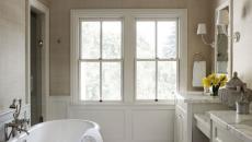 salle de bain design en blanc classique