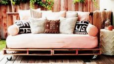Coussins transformant un lit-banquette en canapé