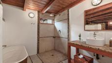 Salle de bain originale pour se détendre lors d'un voyage en Californie