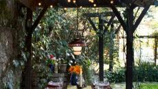 Décoration de table de tous les jours dans le jardin