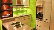 bois et vert anis pour cette cuisine tendance