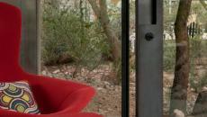location de maison fauteuil rouge design
