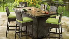 Grillades et repas grâce a cette table de jardin