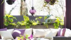 déco terrasse en violet et couleur crème