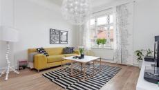 Superbe salon scandinave en blanc et touches couleurs intéressantes
