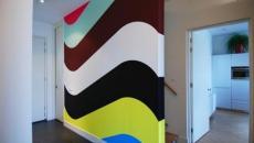 Mur peinte en pleines teintes vives et gaies
