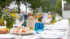 déco table entre amis jardin