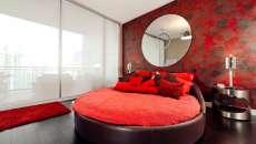 lit rond rouge déco chambre à coucher ameublement