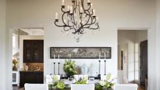salle à manger décor rustique lustre fer forgé design