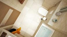 belle salle de bains petite d'appartement