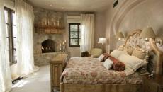 inspiration très rustique chambre avec belle cheminée