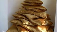 coussins dorés sapin de Noël créatif