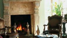 belle cheminée en pierre antiques
