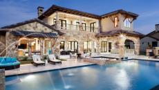 propriété de standing grande piscine luxe outdoor