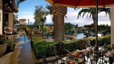 petit déj en plein air résidence secondaire luxe