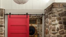 Jolie porte coulissante design peinte en rouge