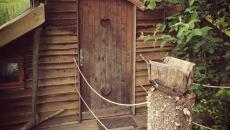 ambiance ancienne sans confort cabane bois à louer