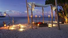 fêter Saint-Valentin diner en amoureux sur la plage