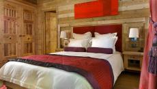 intérieur chambre en bois chalet montagne