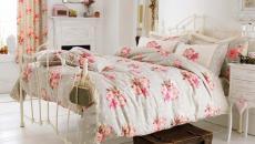 rose et féminine idée déco chambre à coucher fleurs