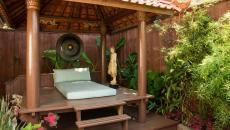 outdoor pratique de yoga et de méditation exotique