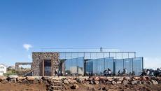 pierres, acier, briques et verre pour cette architecture contemporaine